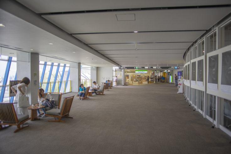 高松空港のジョージナカシマの椅子