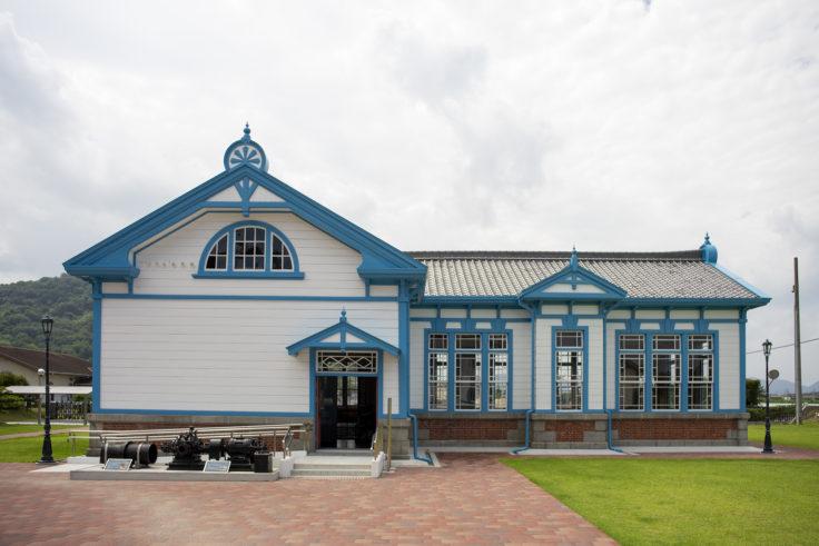 高松市水道資料館喞筒場の外観裏側