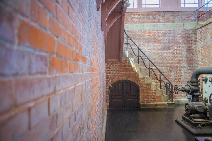 高松市水道資料館地階ポンプ室4