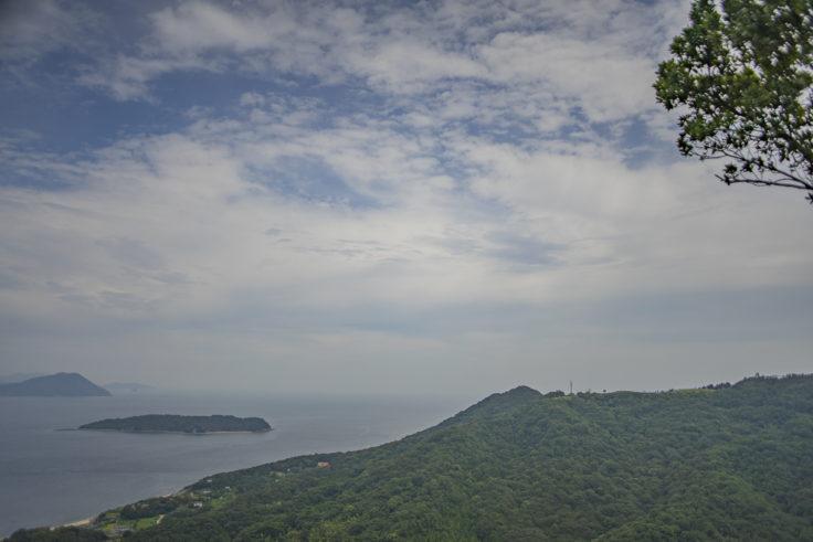 遠見山から見たあじ竜王山公園