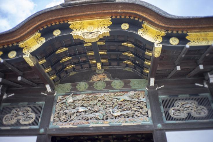 国宝二の丸の入口彫刻