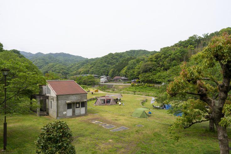 門入の郷岬の公園