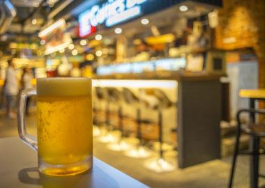 亮昌ぎょうざの生ビール