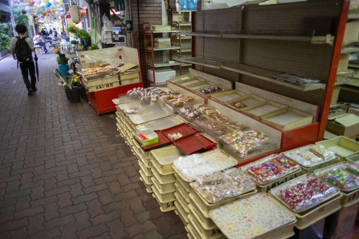 古川町商店街のアーケード内の様子3