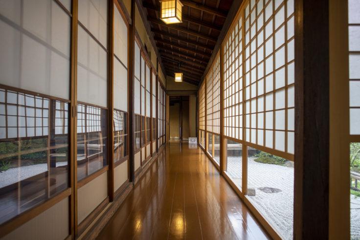 観智院の廊下