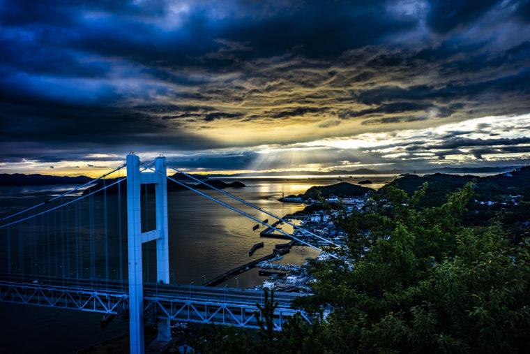 鷲羽山山頂からの瀬戸大橋