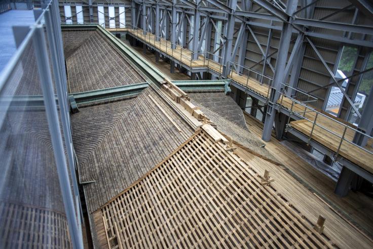 延暦寺根本中堂修復中の屋根2