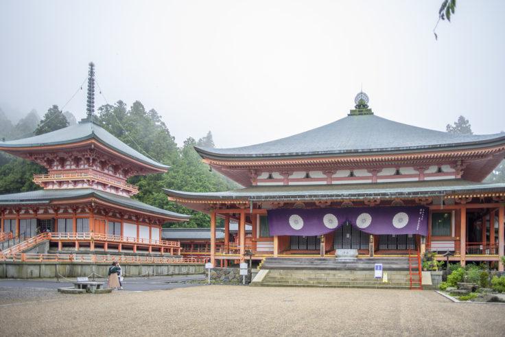 延暦寺阿弥陀堂と東塔