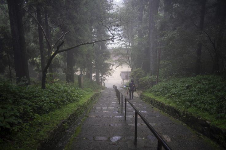 延暦寺釈迦堂(転法輪堂)への階段