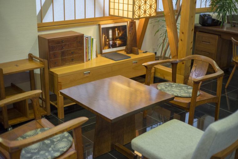 ジョージナカシマ記念館のカフェにある家具