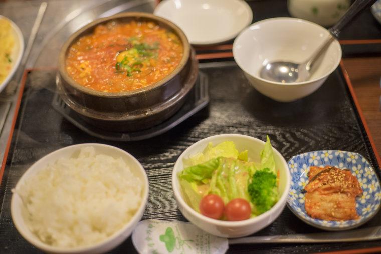 韓国家庭料理サランのスンドゥブセット