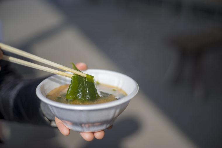 北灘漁業協同組合「さかな市」の無料味噌汁