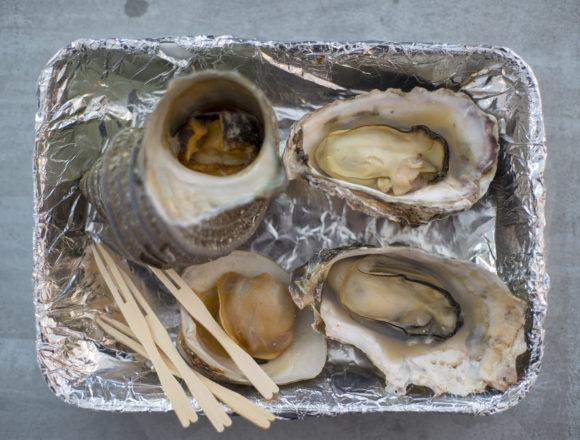 北灘漁業協同組合「さかな市」の焼き貝