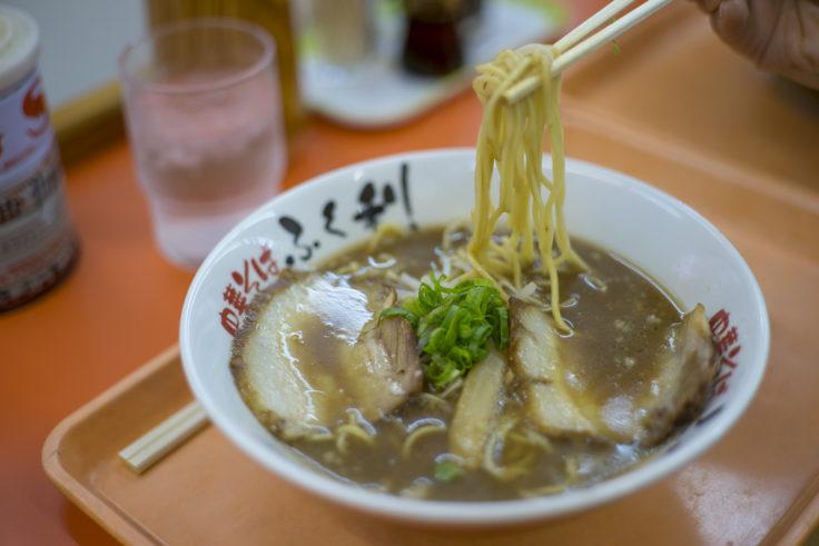 徳島中華そばふく利の中華そばリフトアップ