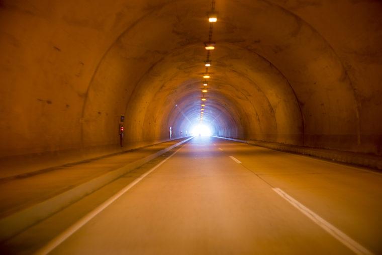 鳴門ウチノ海総合公園までのトンネル
