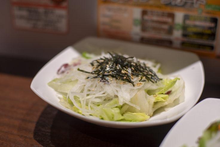 いきなり!ステーキ大根とレタスの和風サラダ