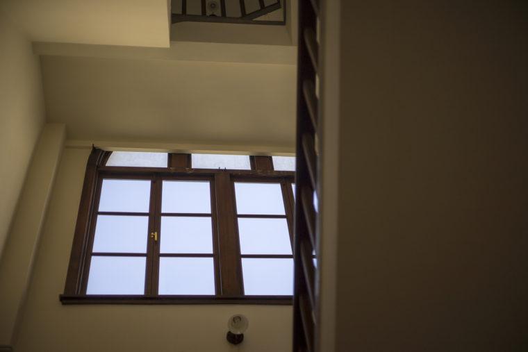 鎌田共済会郷土博物館階段