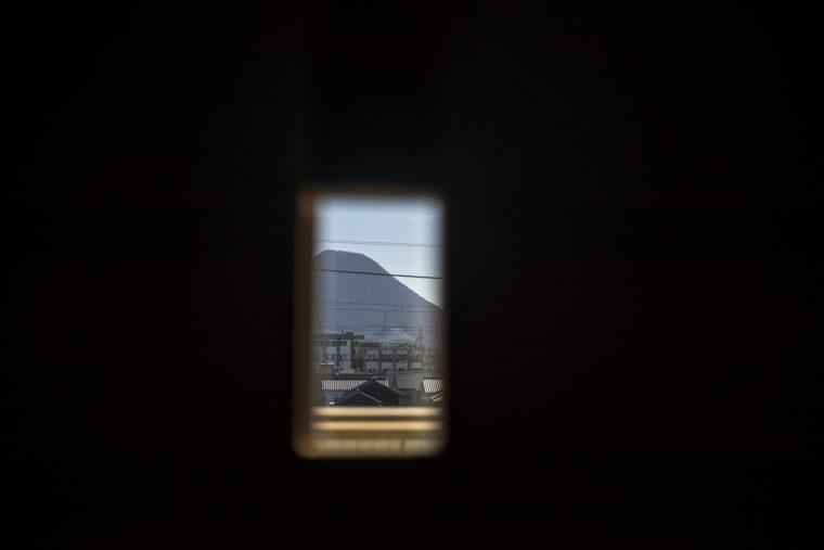 鎌田共済会郷土博物3階から見た飯野山