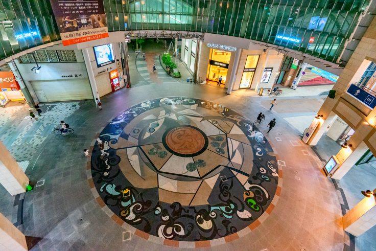 高松中央商店街ドーム広場