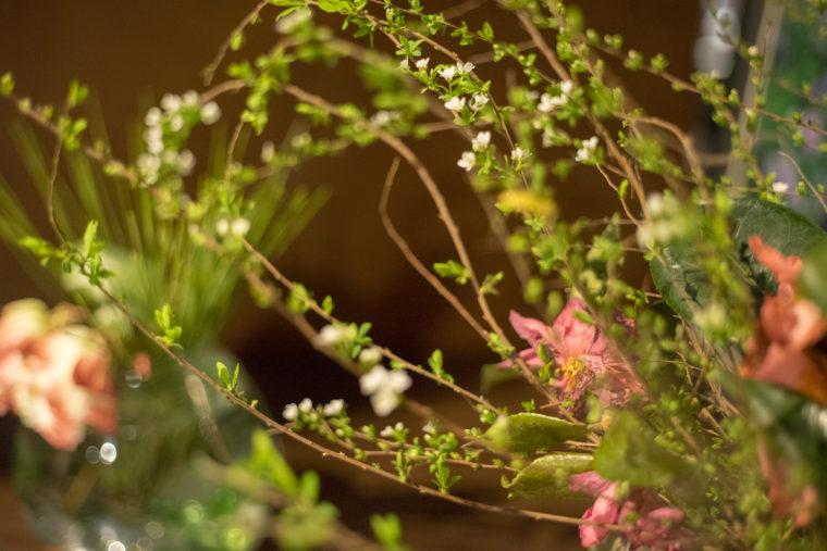 双六のテーブルを飾る花