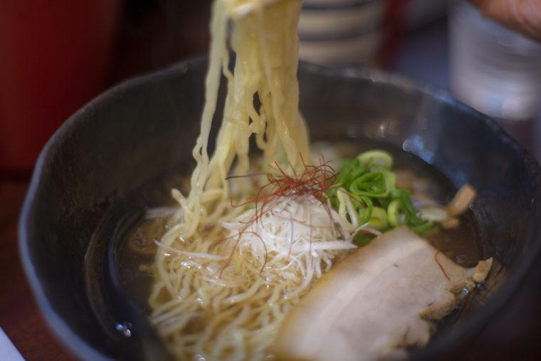 麺処希信のラーメンリフトアップ