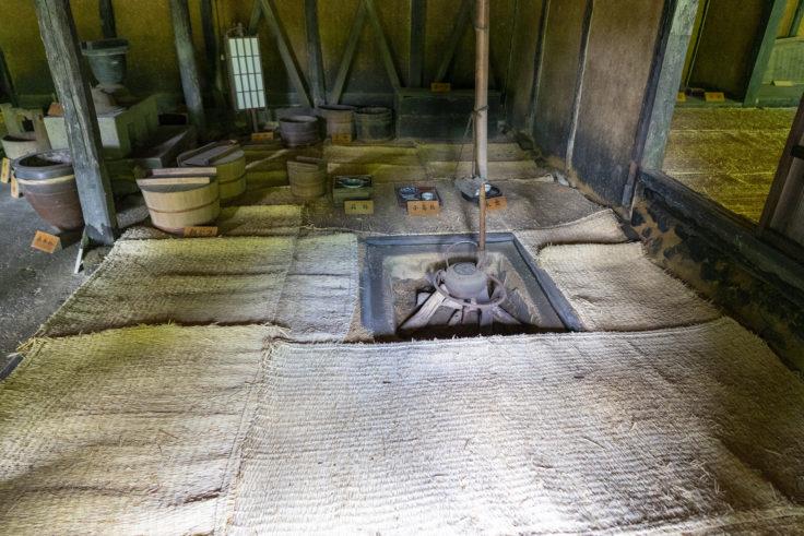 細川家住宅内部の囲炉裏