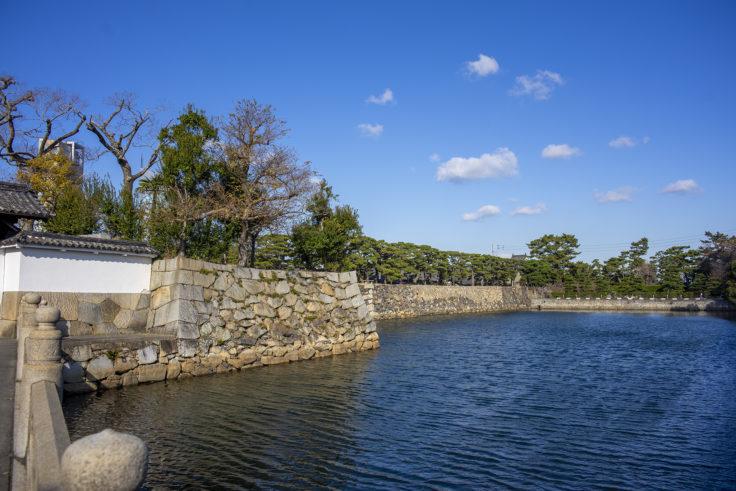 玉藻公園東門(大手門)北側