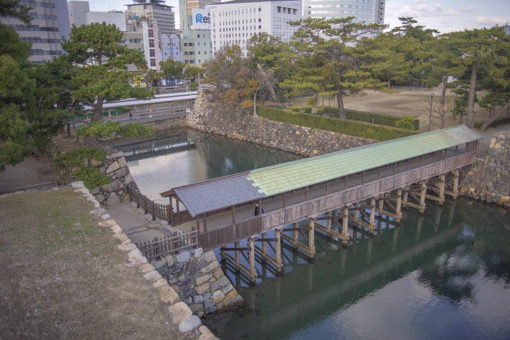 天守台から見た鞘橋