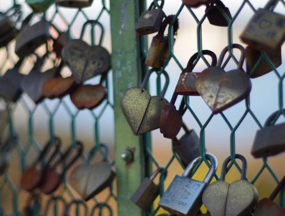 恋人の聖地南京錠