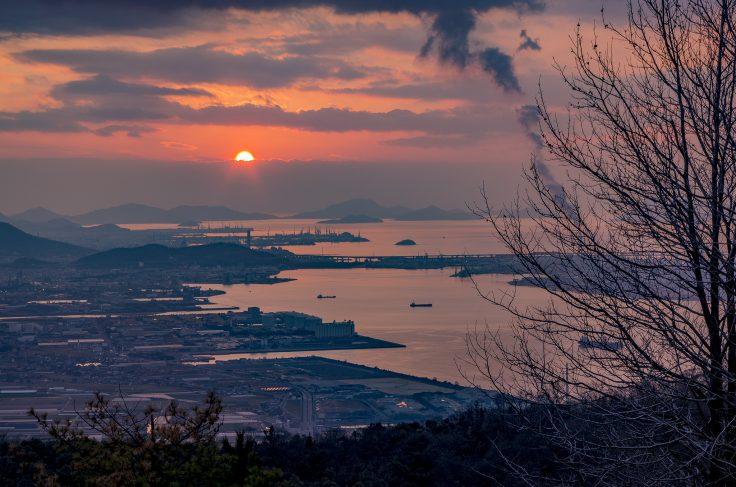休暇村讃岐五色台から見た瀬戸内海の夕焼け