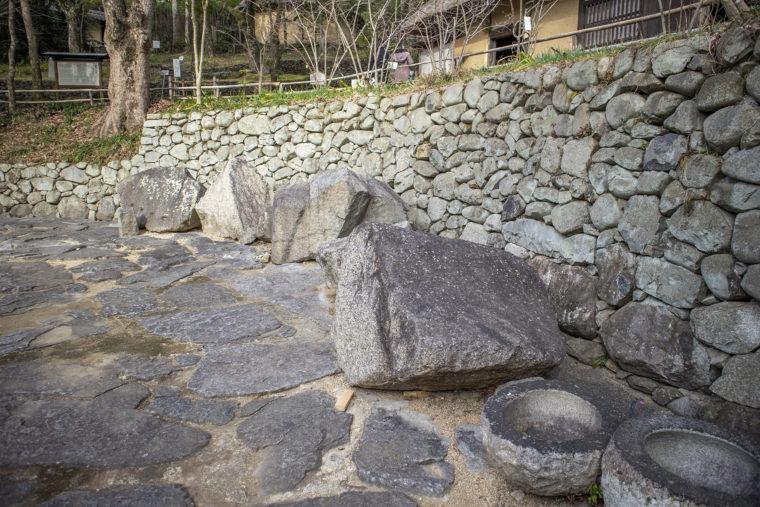四国村の大阪城残石
