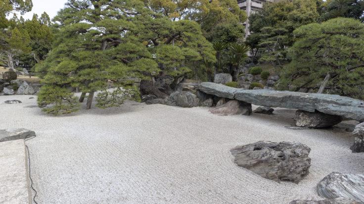 旧徳島城表御殿の枯山水庭園