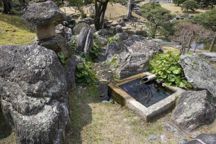 旧徳島城表御殿のくりぬき井戸