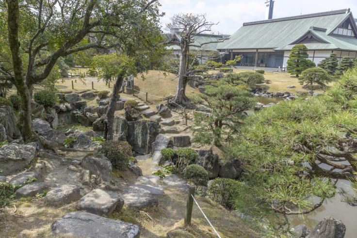旧徳島城表御殿の石