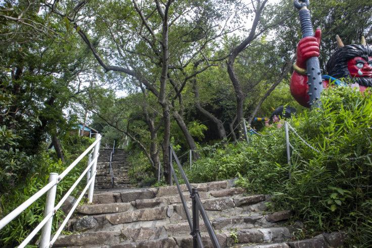 女木島山頂の階段