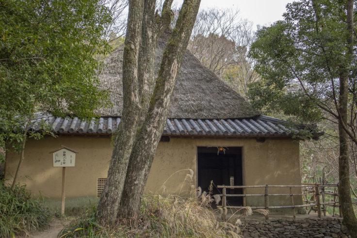 四国村方形の砂糖〆小屋