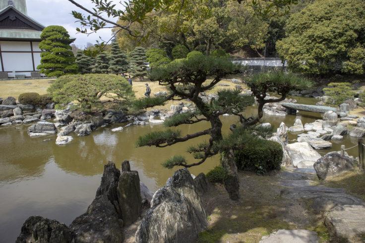 旧徳島城表御殿の築山泉水庭