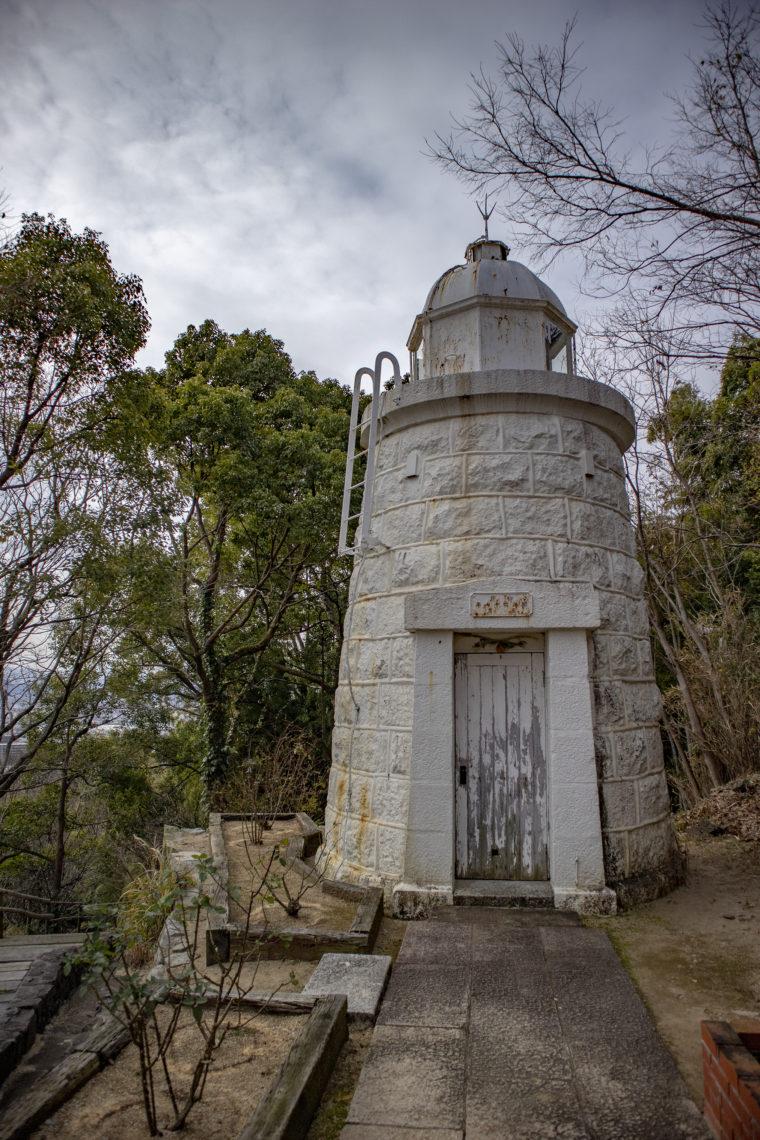 大久野島灯台正面