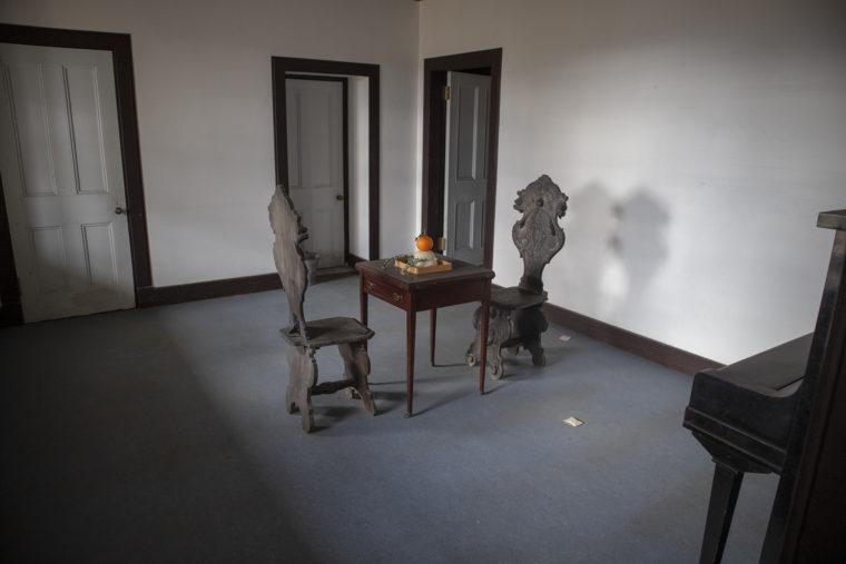 旧鍋島燈台退息所内部
