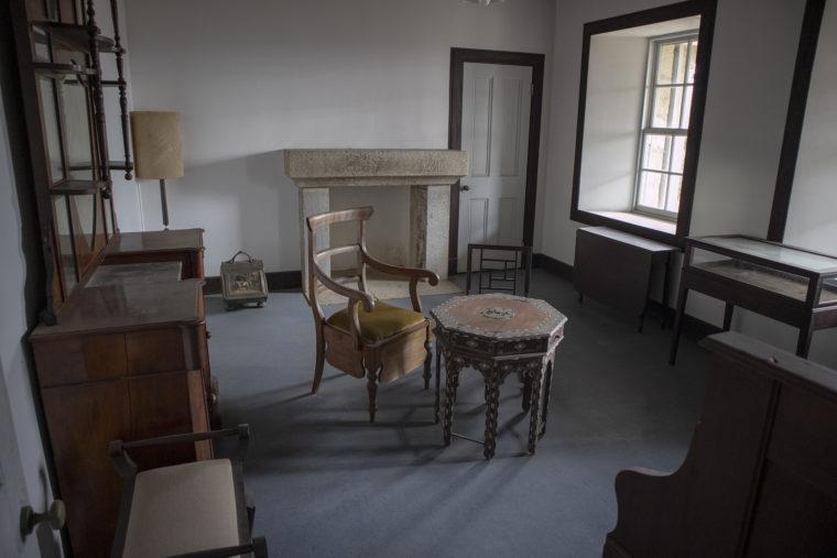 旧鍋島燈台退息所内部2