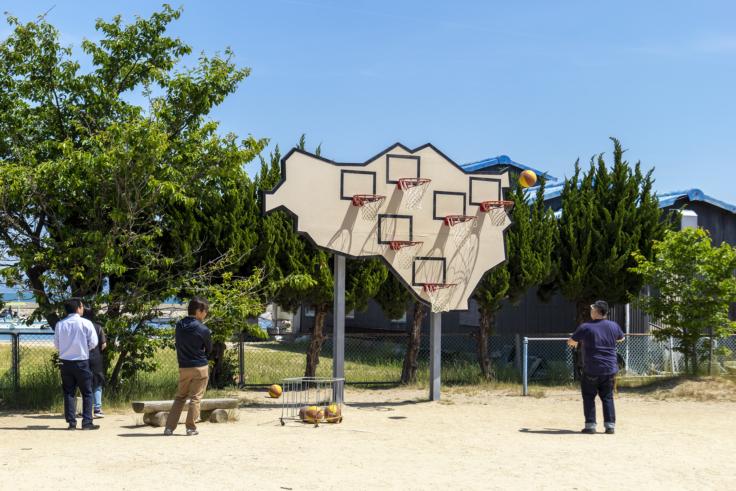「勝者はいない─マルチ・バスケットボール」イオベット&ポンズ