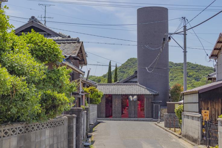 豊島横尾館