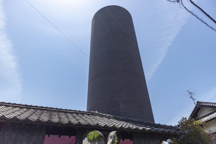 豊島横尾館の塔