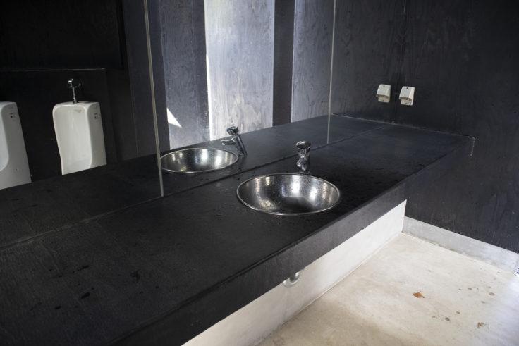 伊吹島「トイレの家」手洗い