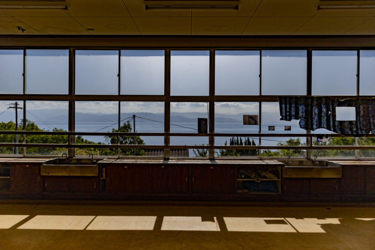 伊吹小学校跡地から見た瀬戸内海