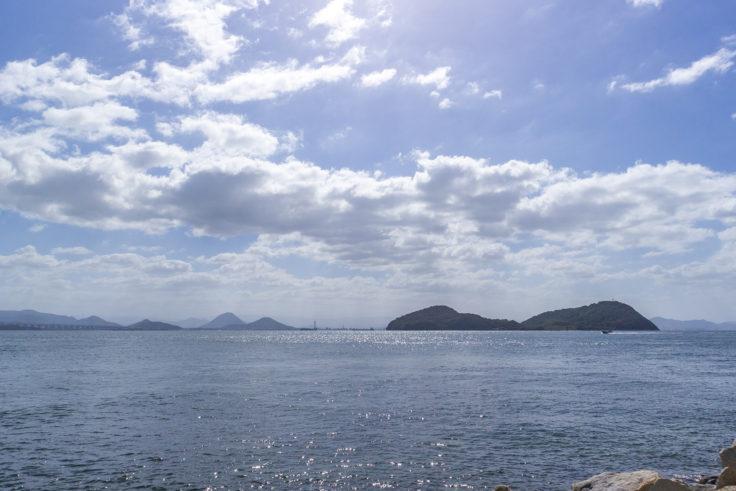 本島から見た牛島