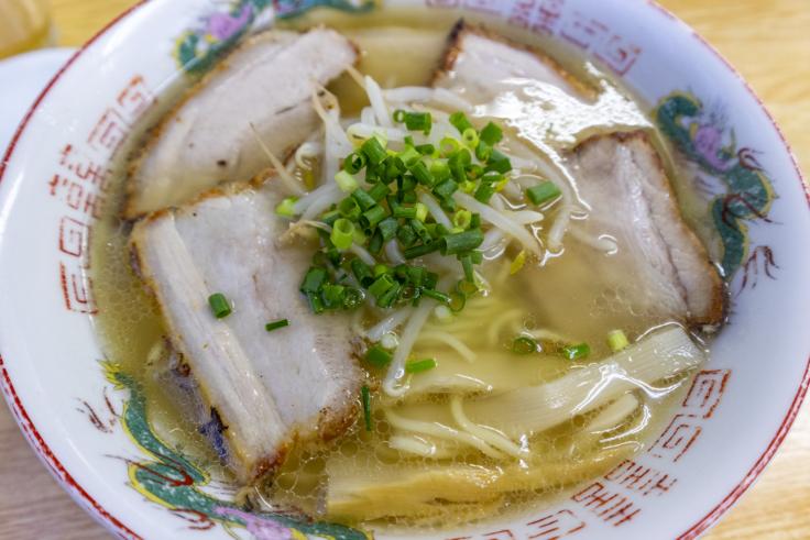 中華そば波のチャーシュー麺
