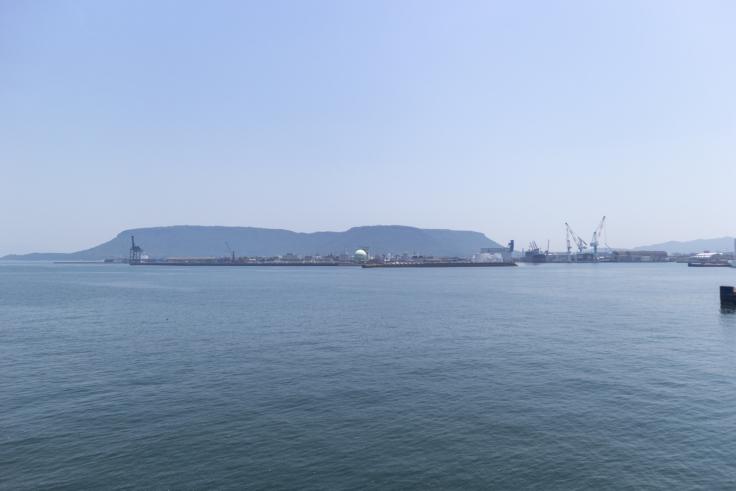 掃海母艦うらがから見た屋島