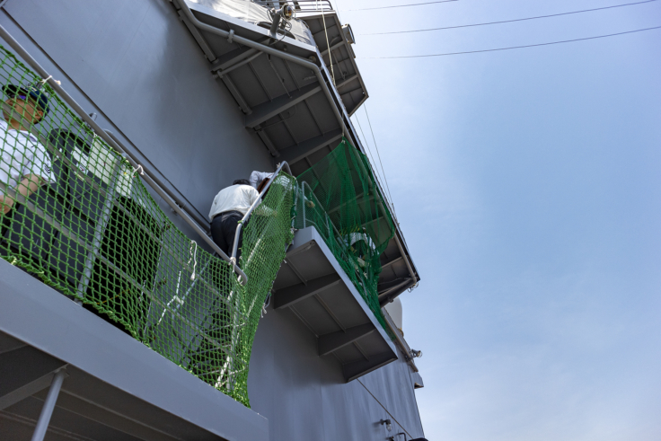 掃海母艦うらがの操縦室への階段