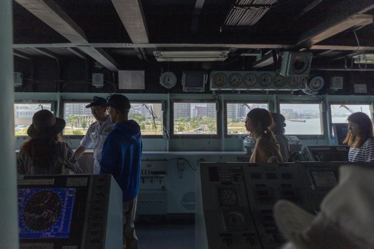 掃海母艦うらが操縦室3